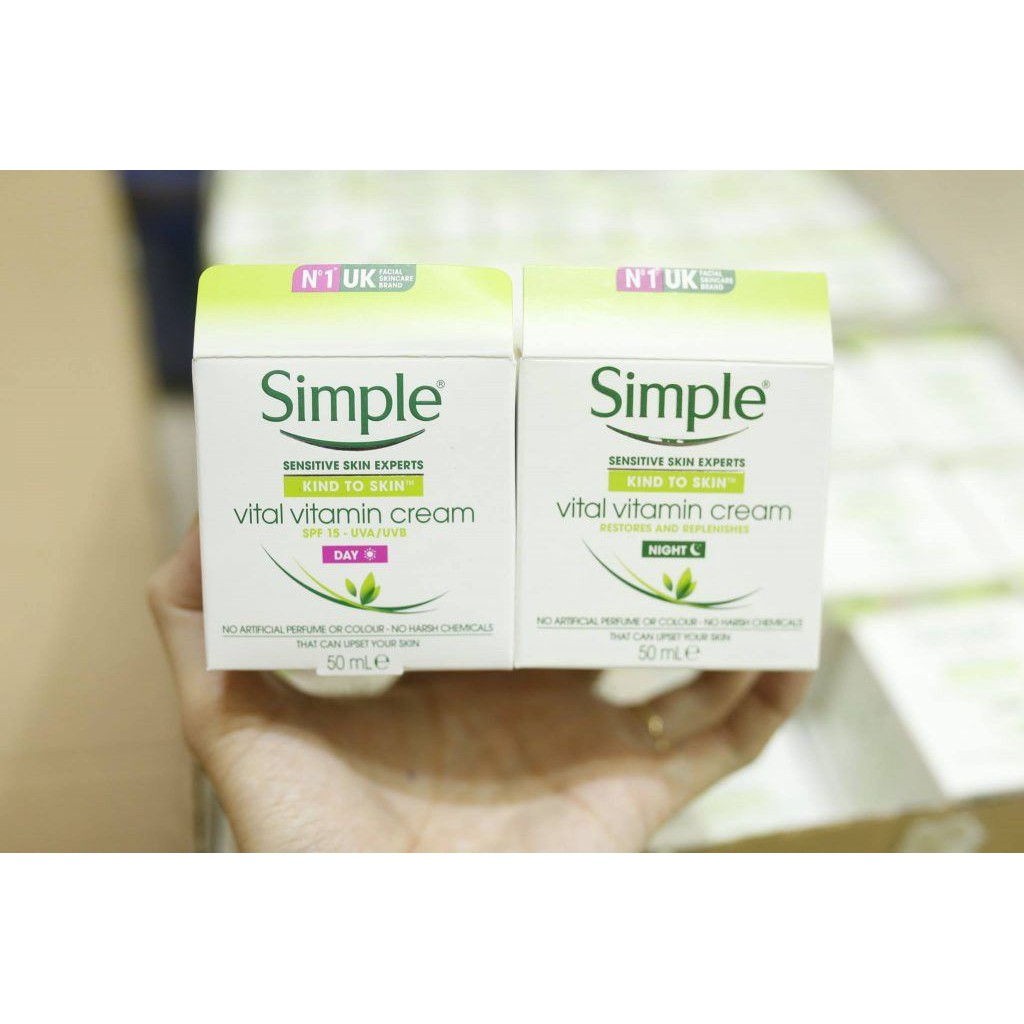 Kem Dưỡng Ban Ngày Simple Kind To Skin Vital Vitamin Cream