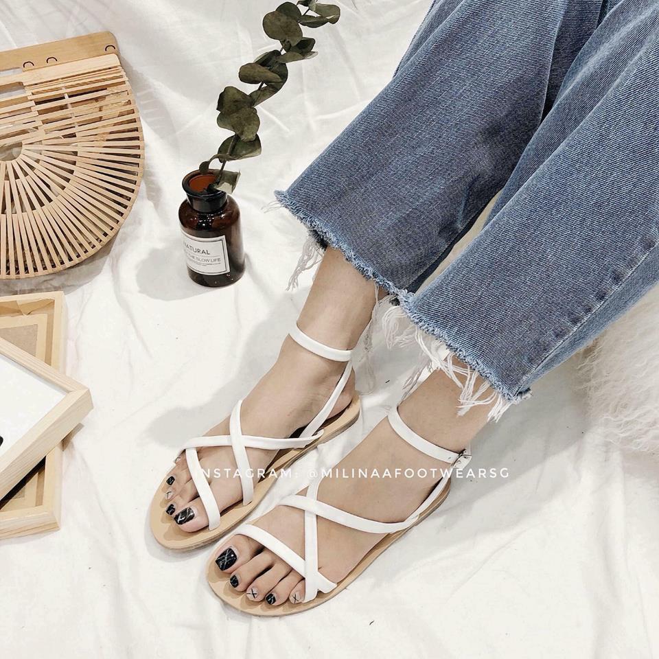 Sandal dây đan chéo
