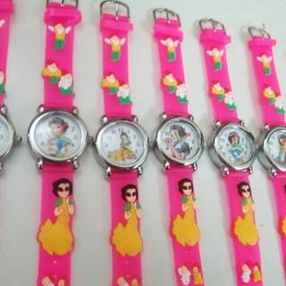 Đồng hồ đeo tay nhiều mẫu xinh yêu cho các bé gái - DH1213