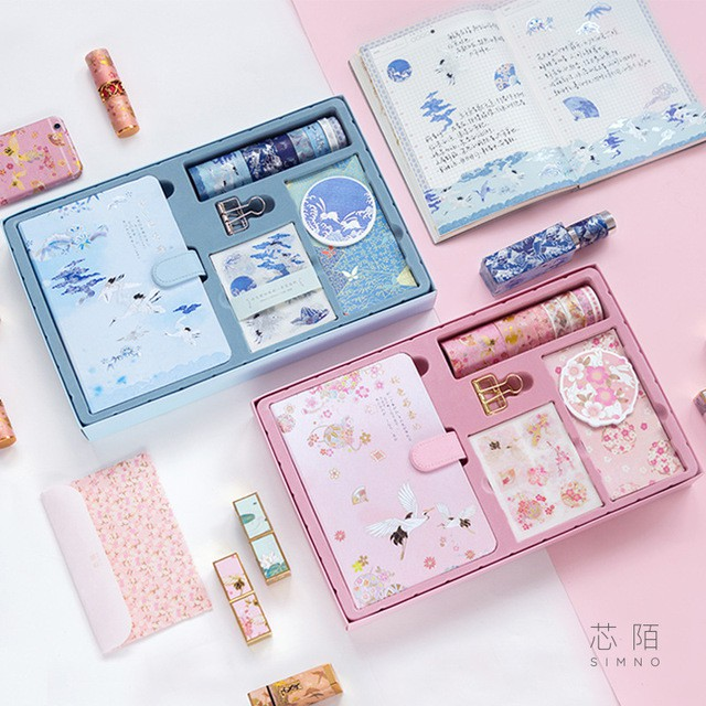 Hộp combo Sổ + washi tape + sticker + bookmarks cổ phong