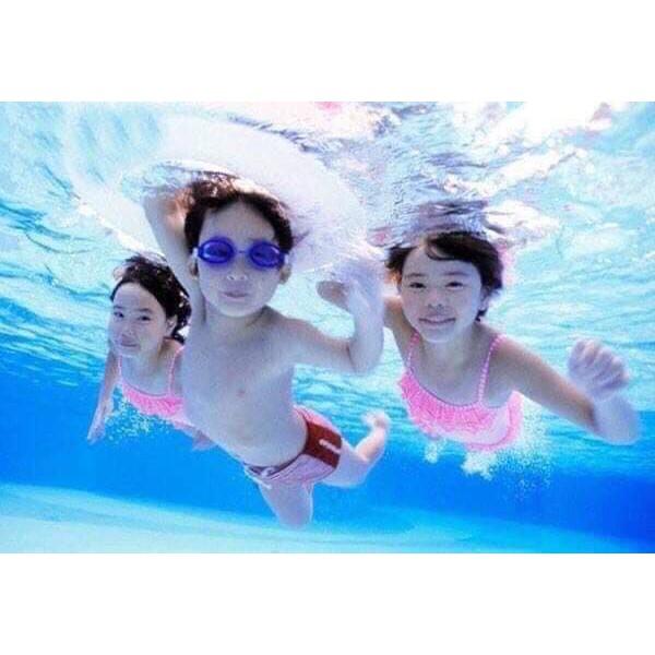 Kính bơi cho bé yêu( sp gồm : 1 kính và 2 nút bịt)