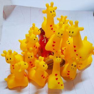 Hươu cao cổ,con gà,heo ngồi silicon để bàn, phát tiếng kêu vui nhộn