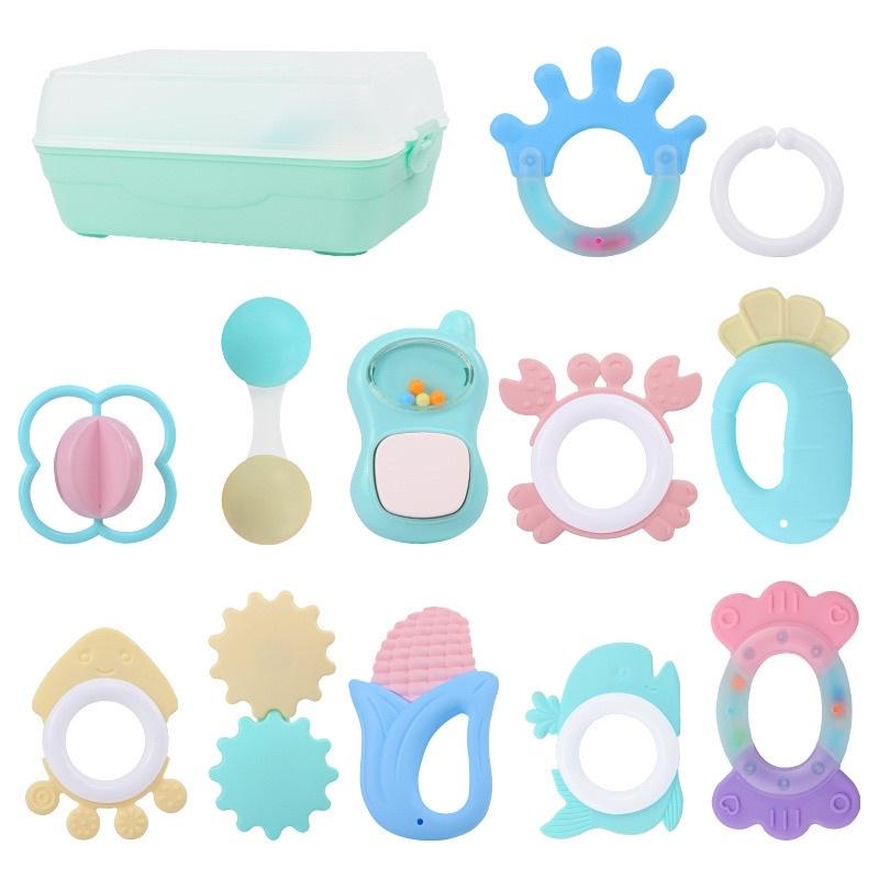 Hộp đồ chơi gặm nướu 12 món cho bé FLASH SALE