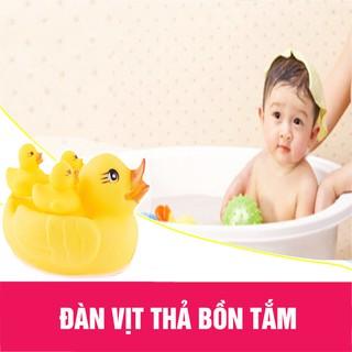 Vịt thả bồn tắm 1 mẹ 3 con cho bé