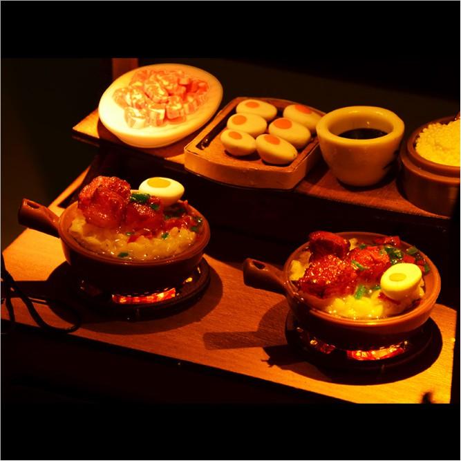Mô hình nhà búp bê gỗ - tiệm cơm truyền thống Trung Quốc với các món ăn đặc trưng