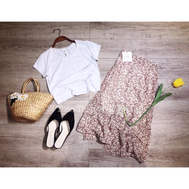 Set áo phông trơn kèm chân váy hoa nhí vi