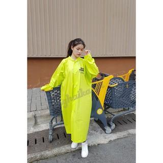 Áo mưa dạ quang siêu tiện lợi giúp bạn đi dưới mưa an toàn