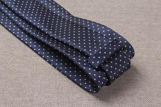 Cà vạt chấm bi màu xanh navy 8cm phong cách thanh lịch cho nam