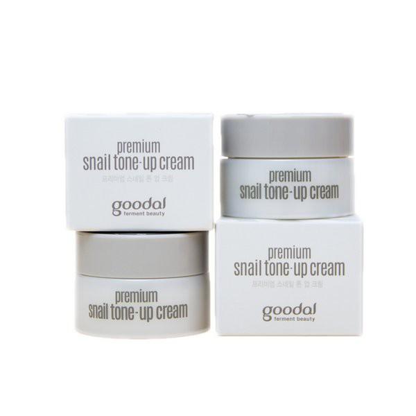 Kem dưỡng trắng da và nâng tone da tức thì Goodal Premium Snail Tone-Up Cream 10ml
