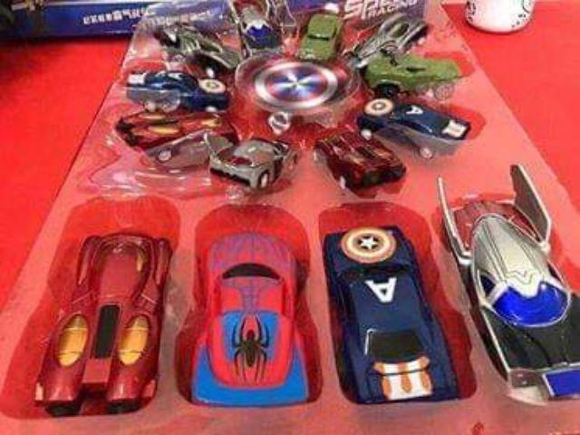 Set 14 ô tô siêu anh hùng