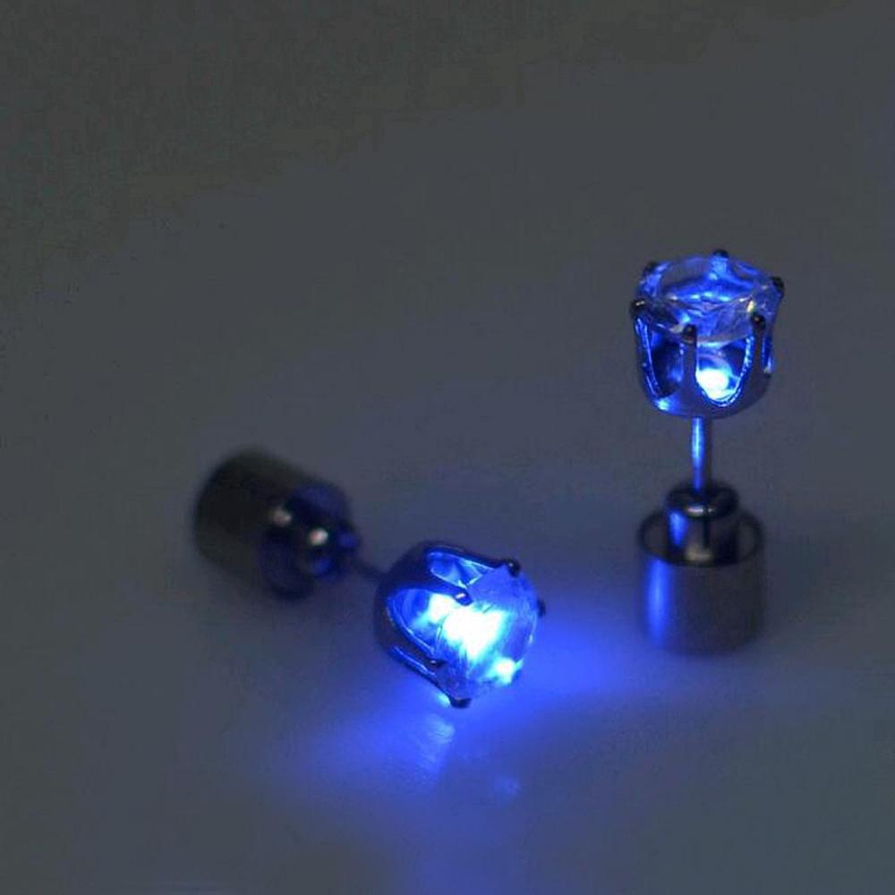 Khuyên Tai Hình Vương Miện Có Đèn Led Thời Trang