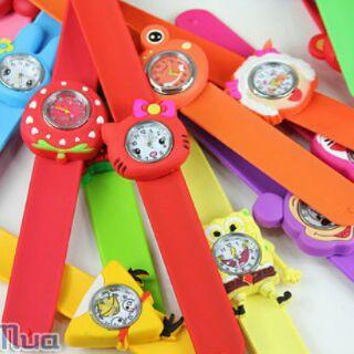 Đồng hồ đập tay trẻ em.