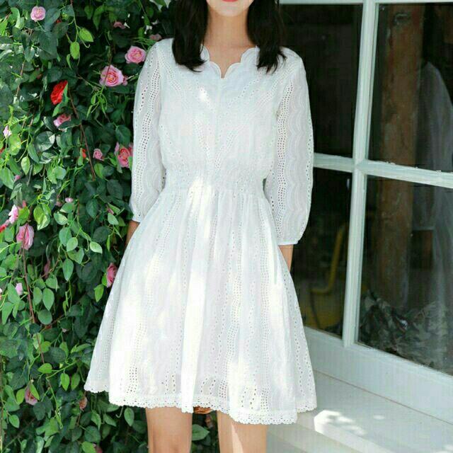 Đầm ren trắng chất xô thêu tinh tế cao cấp siêu đẹp