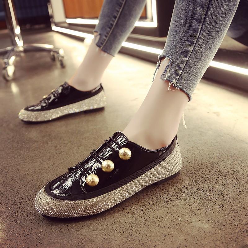 Giày mọi đính đá kiểu dáng thời trang - CG126970