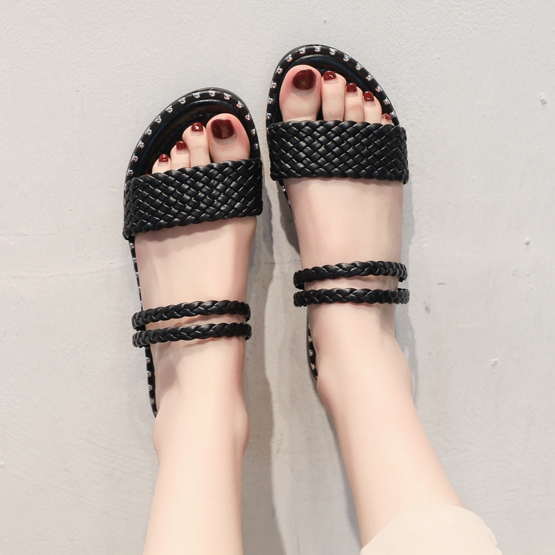 ✆Slipper son cute ins cool drag two wear flat-bottomed simple fashion hundred set 2019 summer new student rivet tide