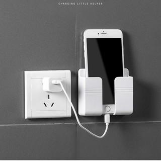 Kệ để remote kèm móc treo sạc điện thoại tiện lợi, giúp không gian gọn gàng, bắt mắt. thumbnail