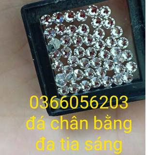 đá đính răng ( kim cương nhân tạo gắn răng)