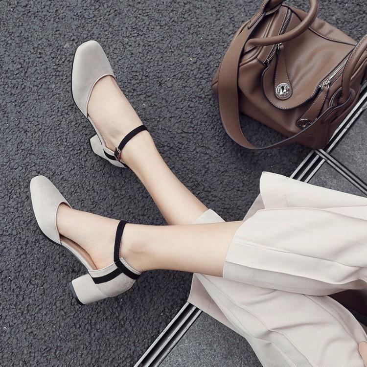 ฤดูใบไม้ผลิและฤดูร้อนรองเท้ารอบหัวใหม่หนากับขนาดเล็กขนาดใหญ่รองเท้าผู้หญิงเป่าโถ