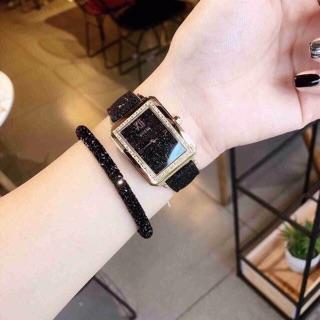 Đồng hồ nữ Guess mặt vuông Dây da Authentic