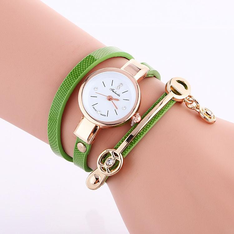 Women Fashion Quartz bracelet watch