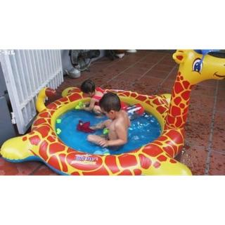 Bể bơi hươu cao cổ cho bé yêu đã mát ngày hè