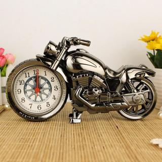 Đồng hồ để bàn hình mô tô (màu ngẫu nhiên)