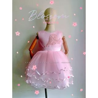 Đầm sát nách công chúa cao cấp, dự tiệc, màu hồng 3 tầng 5 lớp voan kết ren phối lưới thêu hình lá tim đính hột