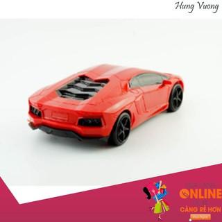 Xe ô tô điều khiển từ xa cho bé yêu (Nhiều màu) – Tặng kèm 6 pin siêu bền – Ưu Đãi Khủng Quanh Năm