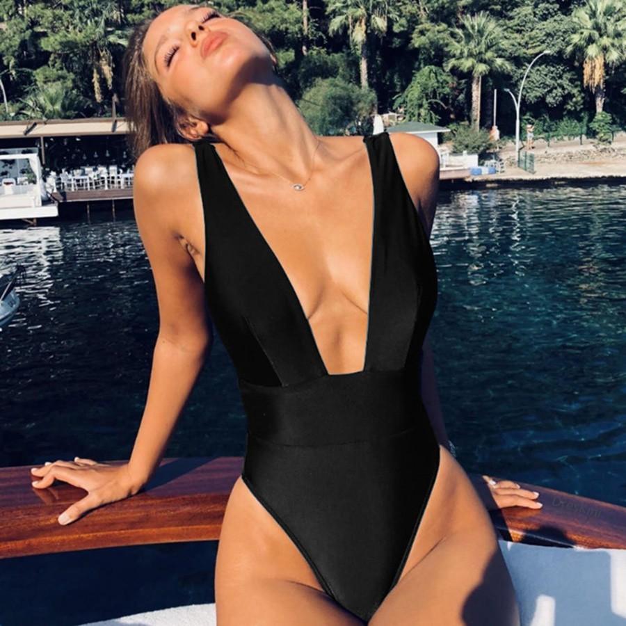Mặc gì đẹp: Tắm biển vui với Đồ tắm một mảnh cổ chữ V hở lưng màu sắc kẹo ngọt thời trang đi biển quyến rũ dành cho nữ