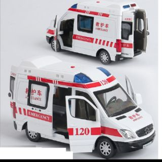 Mô hình đồ chơi trẻ em xe cứu thương tỉ lệ 1:32