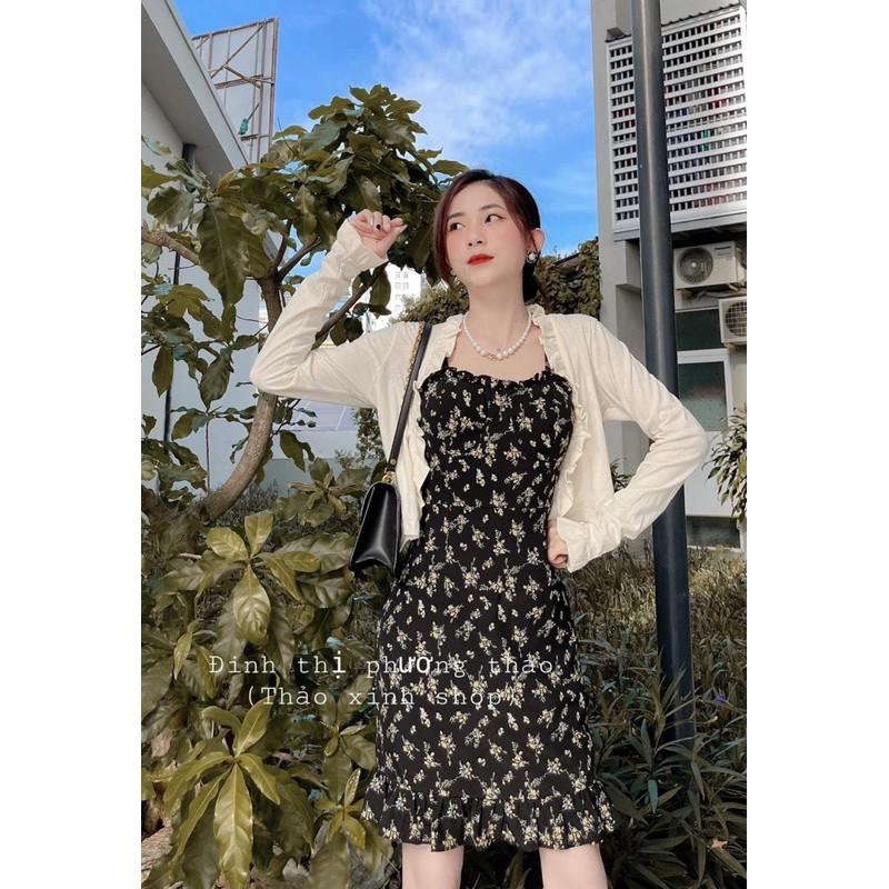 Váy 2 dây hoa nhí đen mix áo khoác ngoài viền bèo trắng cực xinh