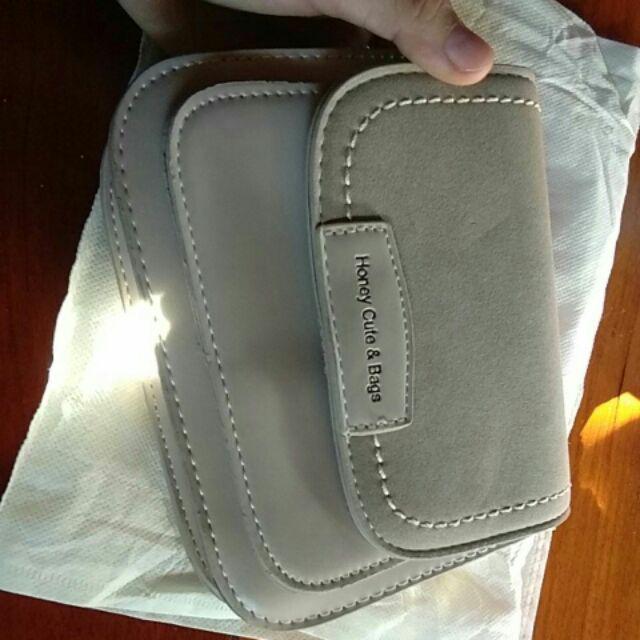 Đánh giá sản phẩm  Túi Đeo Chéo Nữ Nhiều Ngăn Kiểu Dáng Vuông Tròn Siêu Đẹp TEB280 của duongthithuyhan