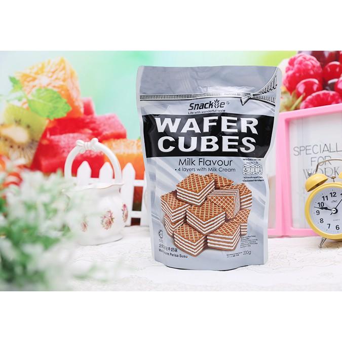 Bánh Xốp Vị Kem Sữa Wafer Cubes Snackie 200g - 3580432 , 1323356092 , 322_1323356092 , 50000 , Banh-Xop-Vi-Kem-Sua-Wafer-Cubes-Snackie-200g-322_1323356092 , shopee.vn , Bánh Xốp Vị Kem Sữa Wafer Cubes Snackie 200g