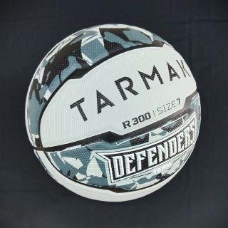 Quả bóng rổ TARMAK – SPALDING số 7. Hàng xuất khẩu tặng kèm lưới và Kim bơm