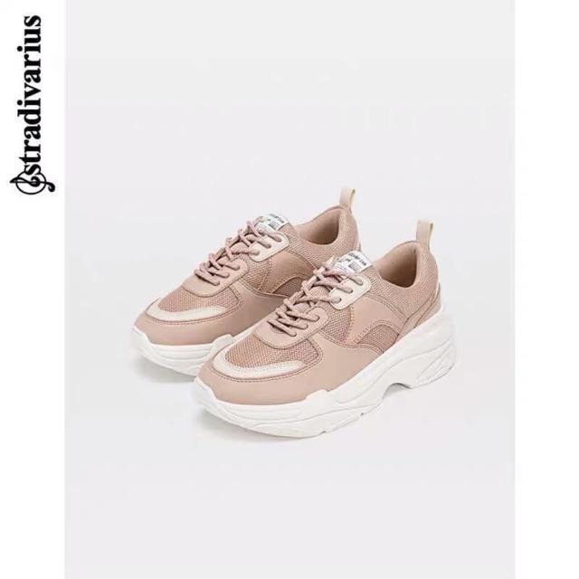 Giày sneaker stradivarius