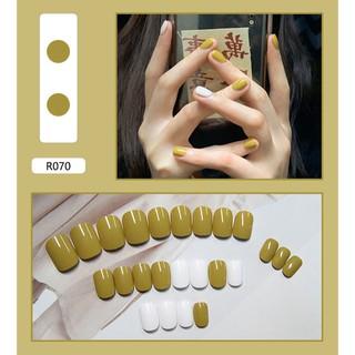 Bộ 24 móng tay giả kèm keo màu sắc trẻ trung thumbnail