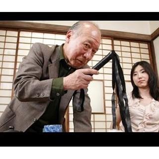 Roi Tokuda – Phất trần – Dụng cụ hóa trang