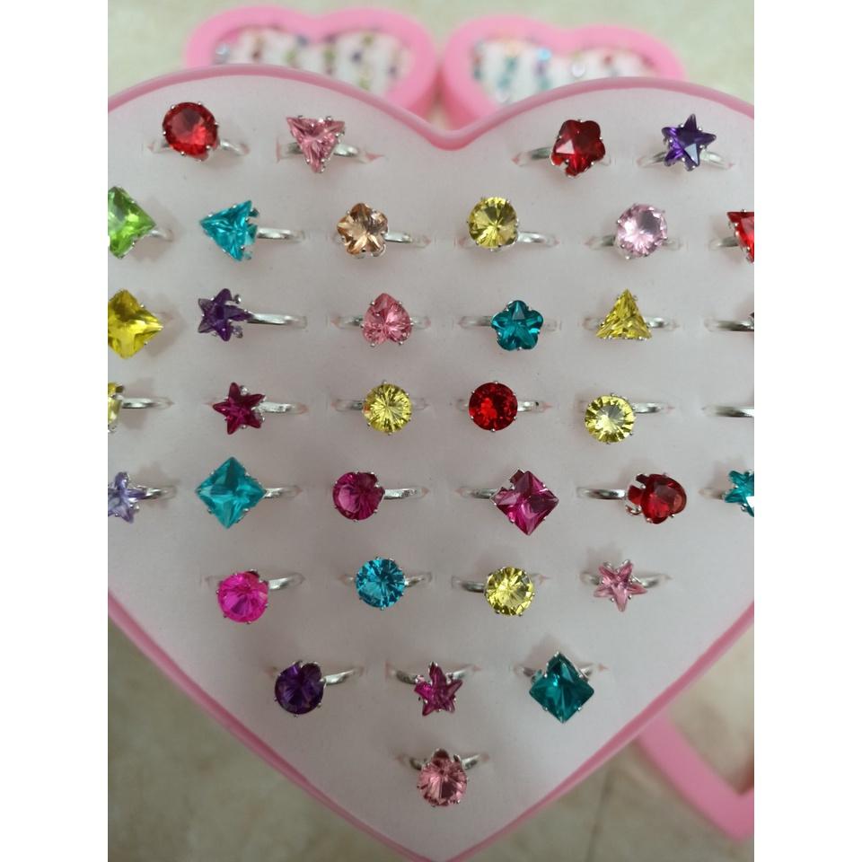 Bán nguyên hộp 36 nhẫn kim cương cho bé, nhẫn đính đá