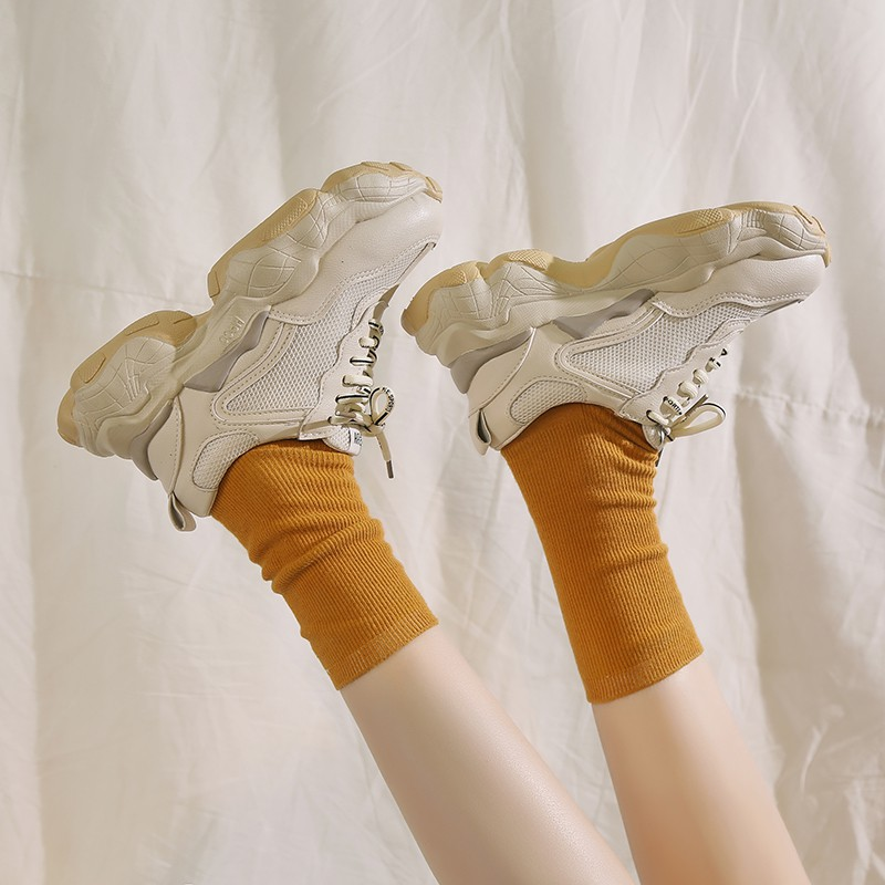 Old shoes female spring super fire Korean version of the thick-soled casual sports white shoes tide