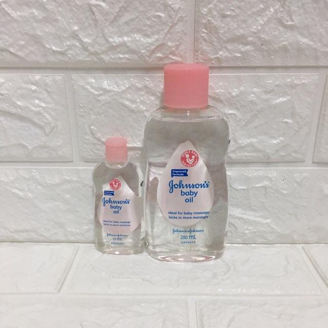 Dầu massage và dưỡng ẩm Johnsin Baby Oil 50ml/200ml
