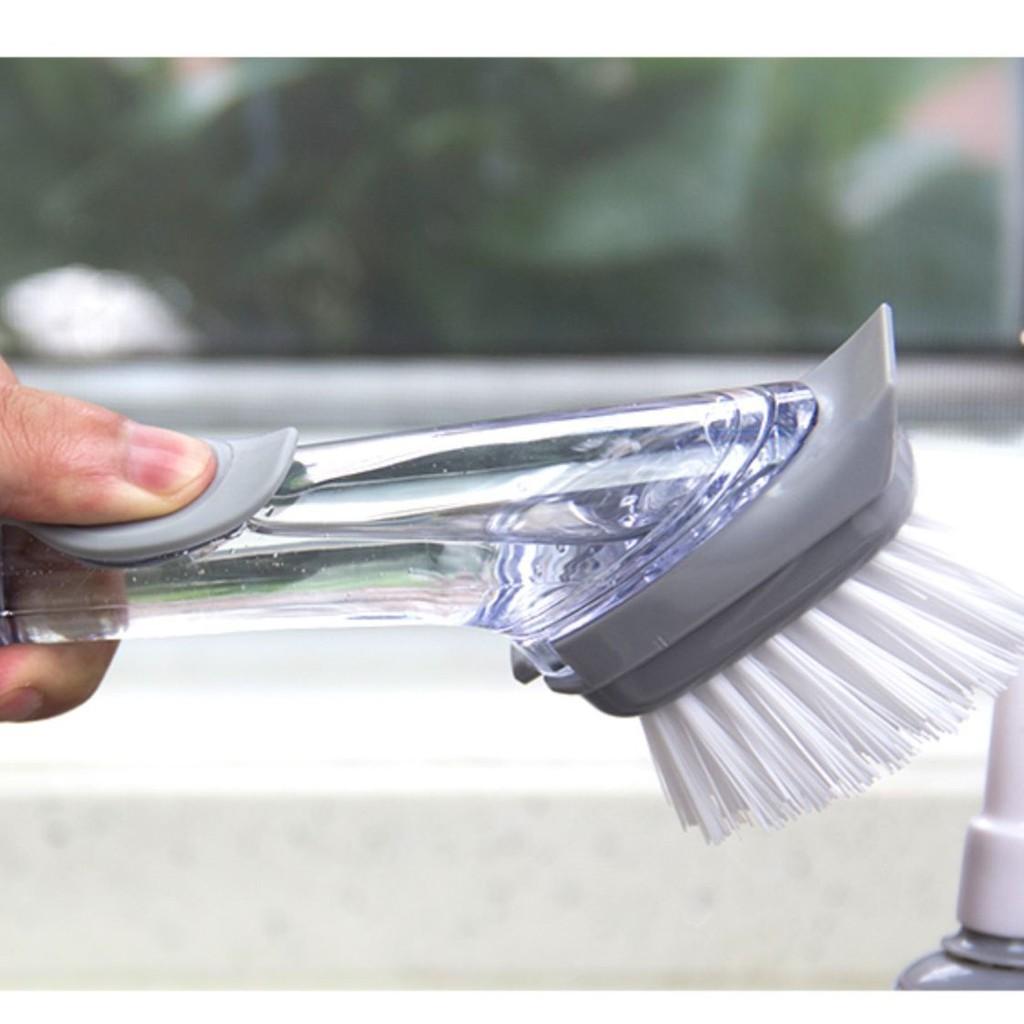 Chổi cọ rửa đa năng kèm bình xịt nước tiện lợi