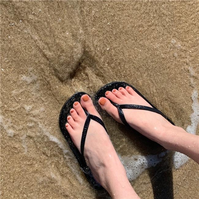 ❀✱ Flip-flops Sharpin the bottom of floor wear anti-skid leisure hundred ride seaside Chuck Slippers Beach shoes Korean