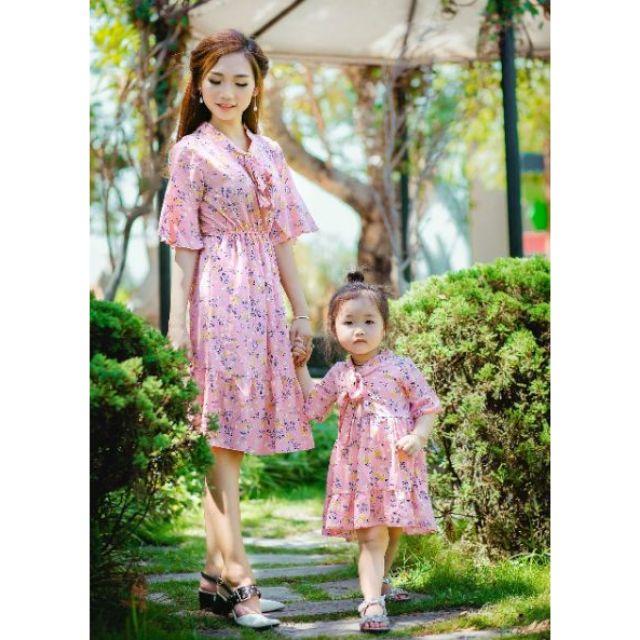 sét váy lụa dễ thương cho mẹ và bé cực đẹp - 3346106 , 1155286469 , 322_1155286469 , 300000 , set-vay-lua-de-thuong-cho-me-va-be-cuc-dep-322_1155286469 , shopee.vn , sét váy lụa dễ thương cho mẹ và bé cực đẹp