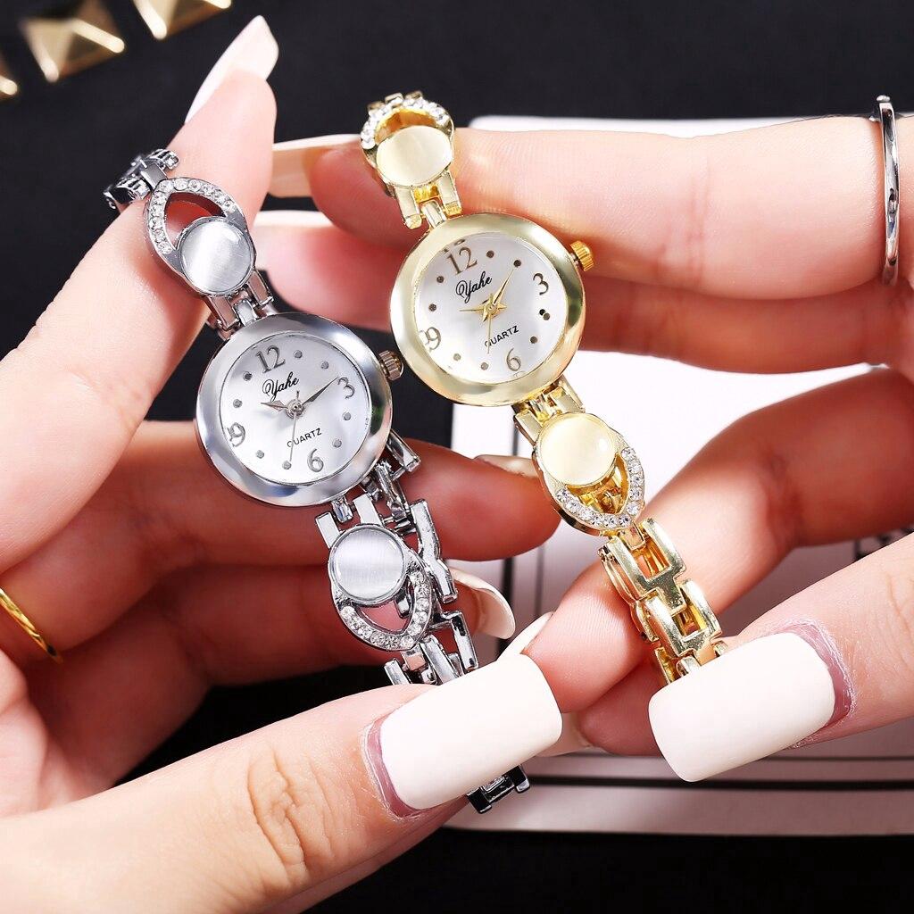 Đồng hồ nữ đính hột xoàn dây thép không gỉ sang trọng