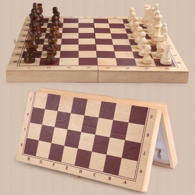 Bộ cờ vua bằng gỗ