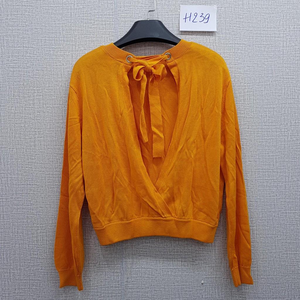 Áo len mịn hở lưng - H239