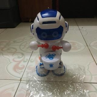 Robot gõ trống