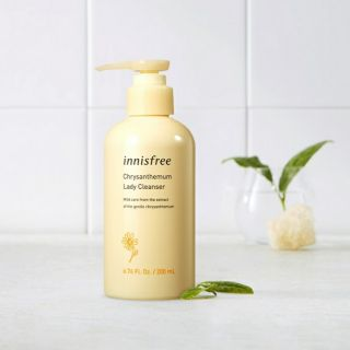 Dung dịch vệ sinh Innisfree Crysanthemum Lady Cleanser 1