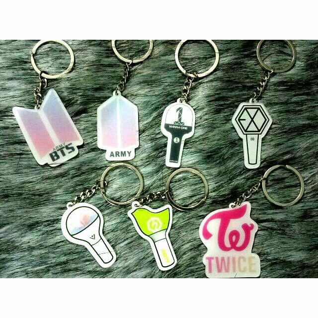 Móc khóa mica lightstick BTS, GOT7, Seventeen, Wanna one, EXO, logo Wanna one, Twice, BTS, ARMY - 9938490 , 900354774 , 322_900354774 , 19000 , Moc-khoa-mica-lightstick-BTS-GOT7-Seventeen-Wanna-one-EXO-logo-Wanna-one-Twice-BTS-ARMY-322_900354774 , shopee.vn , Móc khóa mica lightstick BTS, GOT7, Seventeen, Wanna one, EXO, logo Wanna one, Twice, BT