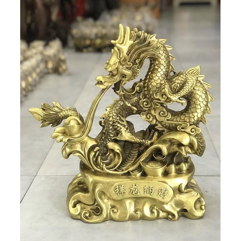 Tượng Rồng nhả thỏi vàng rồng phog thủy tài lộc bằng đồng.